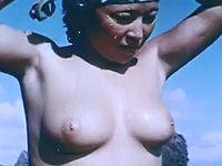 昔の海女さんはおっぱい丸出しで潜っていたという新事実発覚w